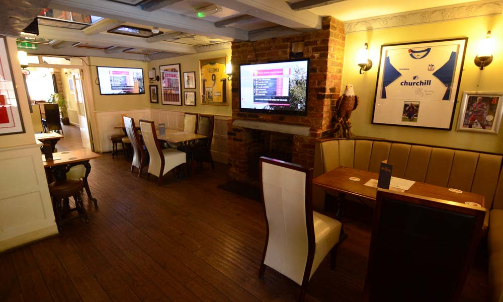 live-sports-bar-and-restaurant-Croydon2